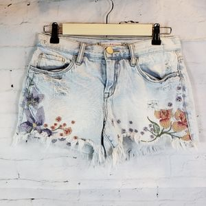 Chelsea & Violet Embroidery Distressed Raw Hem 26